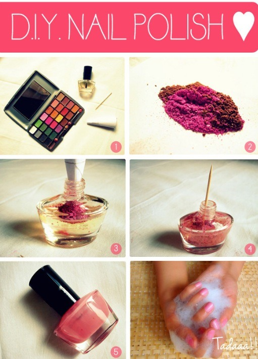 Get the color of nail polish you want from your eyeshadow!! Pour into a clear nail polish, mix .! And tadaaa !! You have your very own nail polish