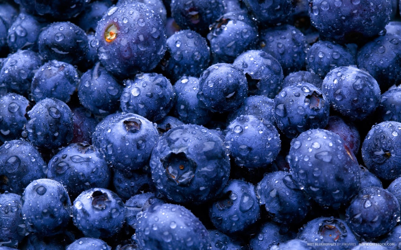 Blueberries Blueberries don't just boost your mental and cardiovascular health: They're packed with polyphenols, a powerful antioxidant which help preserve your skin's collagen and elasticity by fighting free radicals.