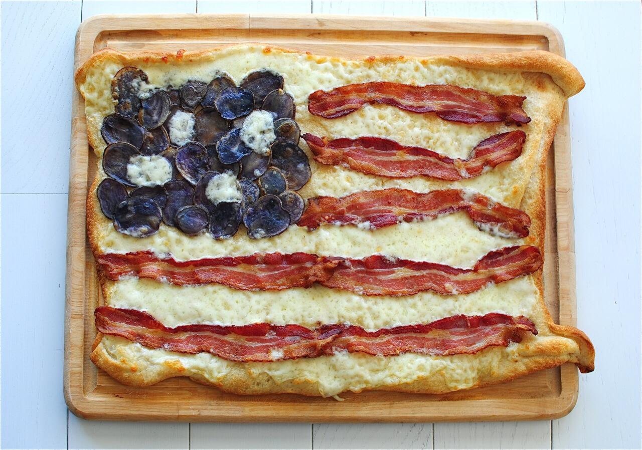 Bacon on cheesy bread