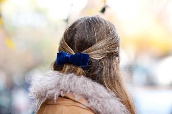 10. Make a hair clip from leftover velvet ribbon.