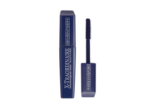 This is easily one of the best mascaras I've ever used! The brush combs through your lashes perfectly and it doesn't flake or crumble!