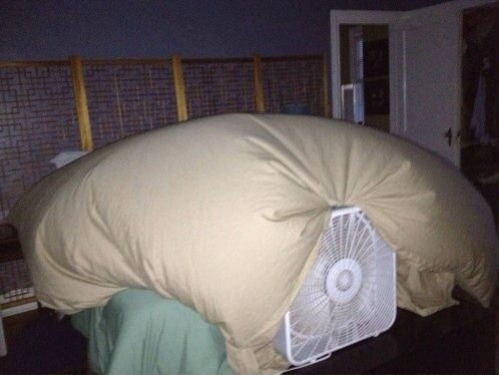 Make an incredibly easy play fort with a box fan.