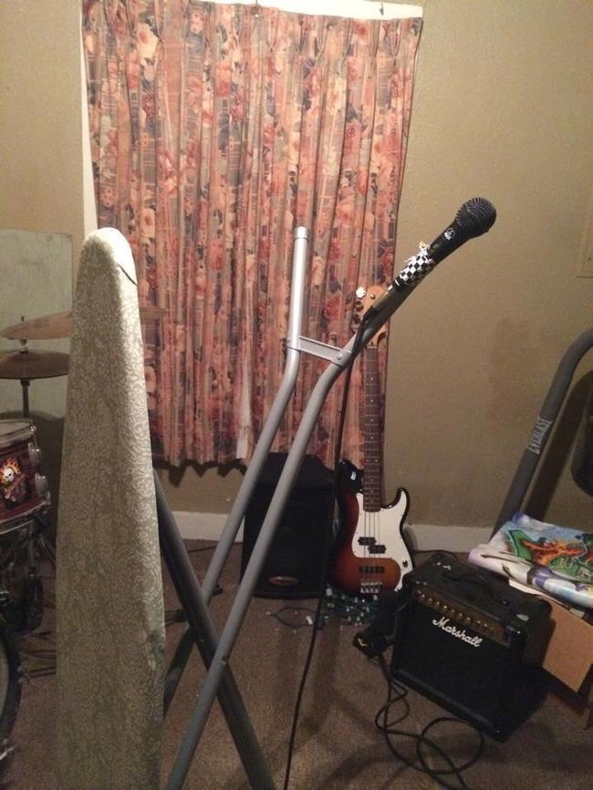 DIY Microphone Stand So you're an aspiring musician, but you sold your mike stand for drugs? No worries! You can make one using theironing board you stole from your parents. Let's face it: you never ironyour clothes, anyway.