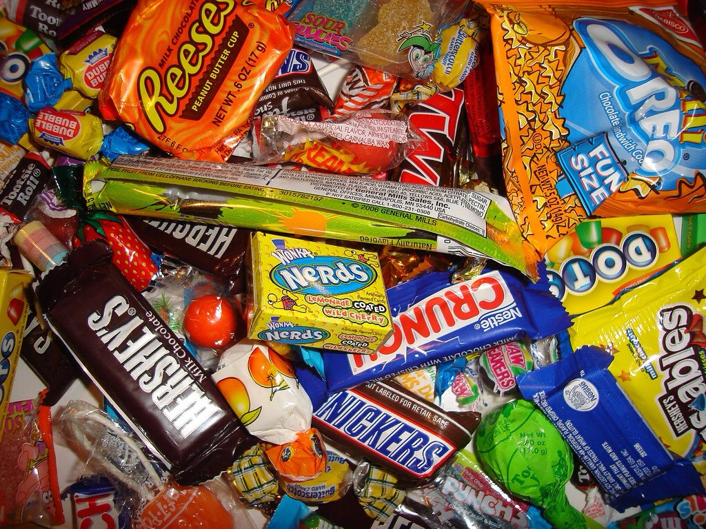 N u definitely have to have candy get as much of ur favorite candies🍬🍬🍭🍬🍭