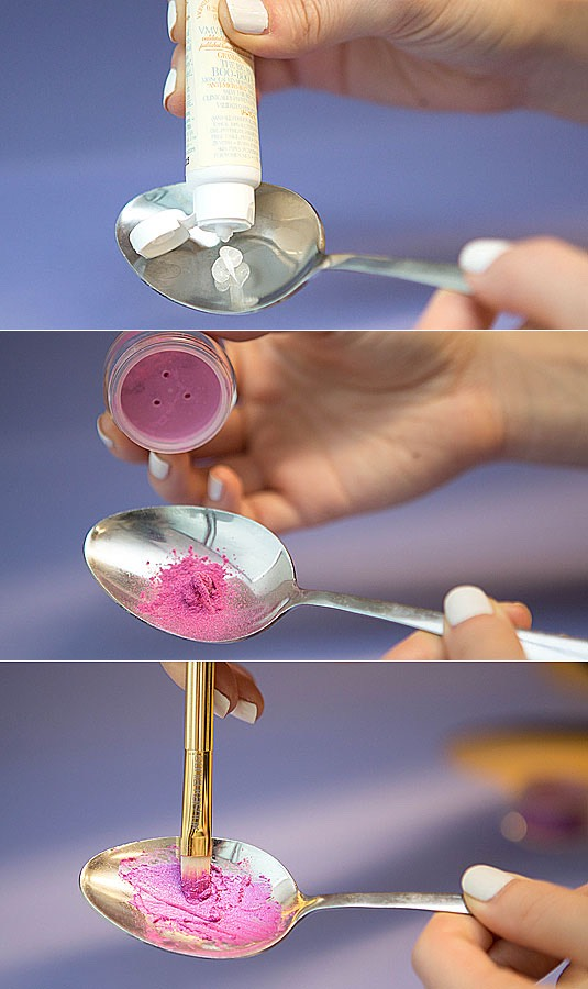 22.Mix loose pigments with a salve to make your own custom lip color.  Grab one of your favorite eyeshadow pigments, and blend it with a little bit of a salve, such as VMV Hypoallergenics Boo-Boo Balm, or petroleum jelly in a spoon. Use a finger or a brush to apply your new custom lip color.