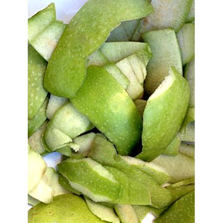 Clean aluminum with apple peels  The acid in the apple peels will remove stains and discoloration from aluminum cookware. Fill the pan with water and apple peels, bring to a boil then simmer for about 30 minutes.  Another solution is to add a tablespoon of cream of tartar to the water.