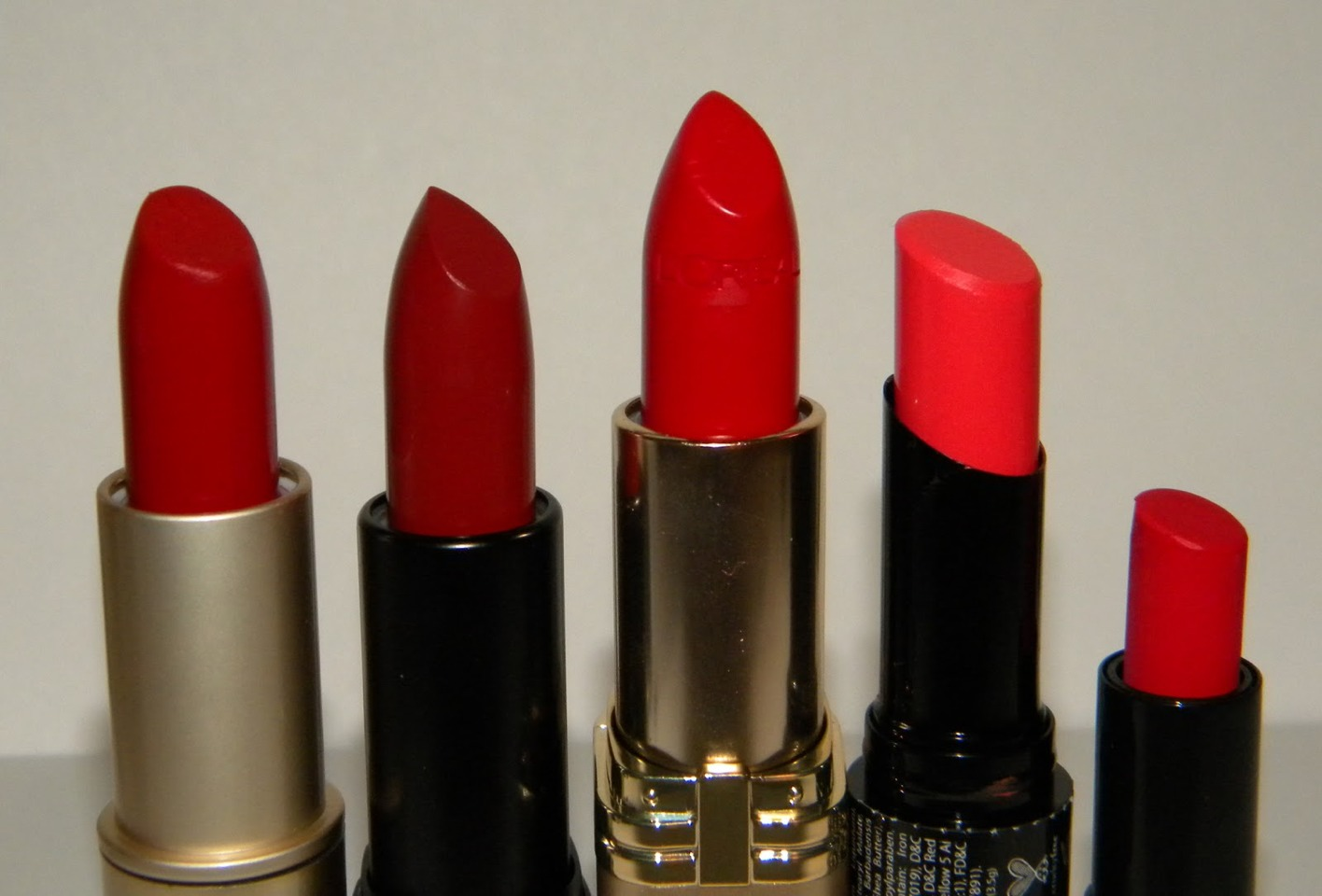 Searching for the perfect lipstick? Fear not! I have included five red lipsticks in this tip floating around in the makeup world, both drugstore and high end!