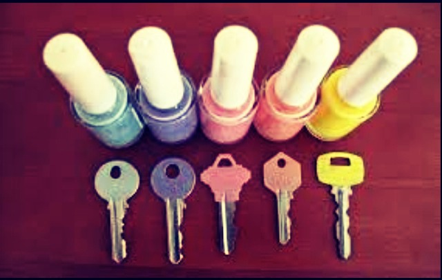 Paint the tips of your keys to keep them organised!