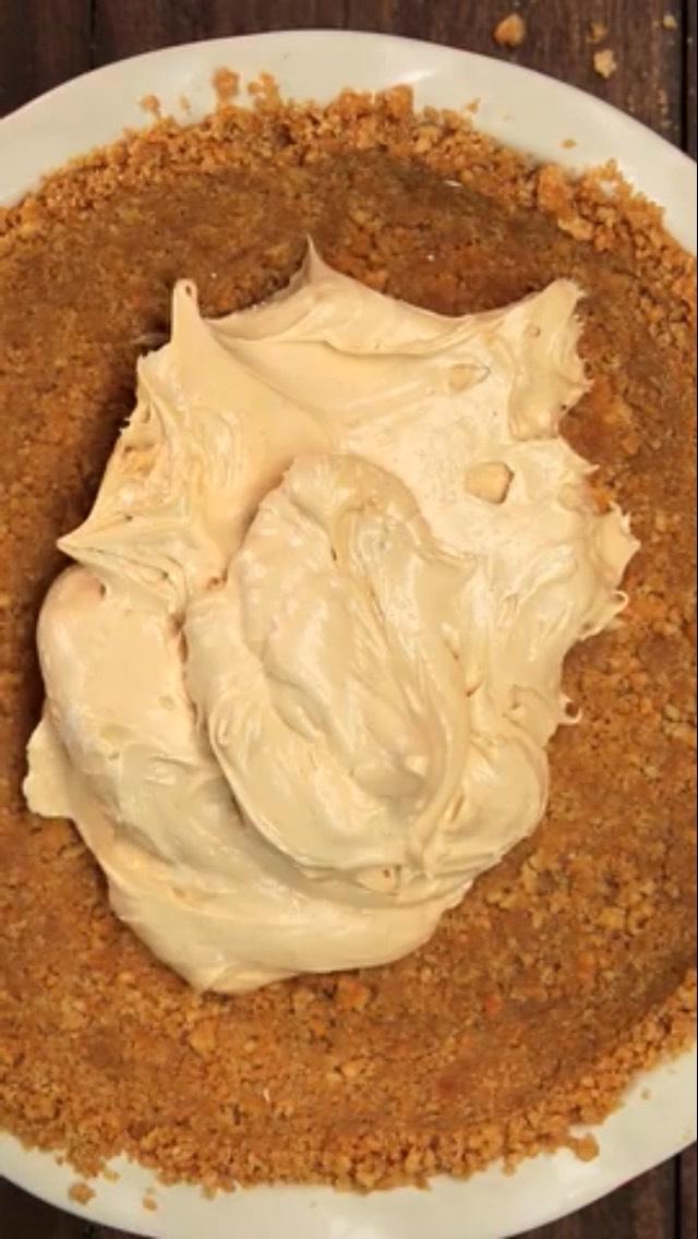 Splotch contents onto crust
