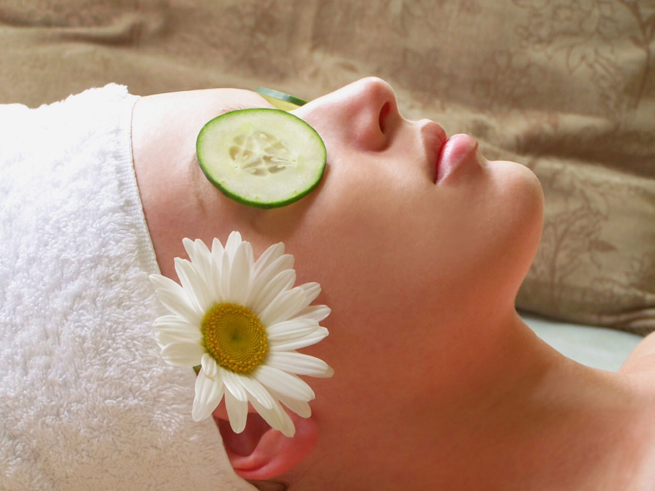 Getting a facial? Doing it yourself? Make the most of your experience with these trusty tips.
