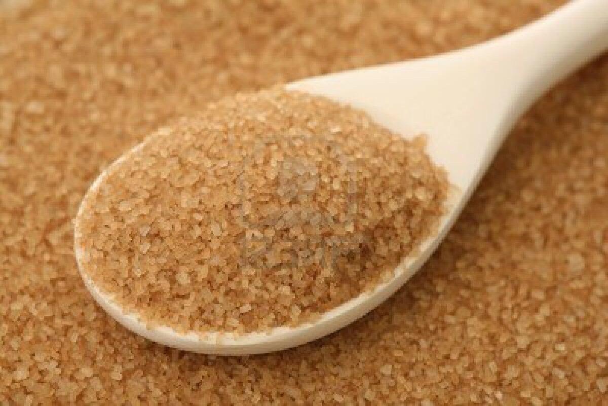 Step1⃣  Take 2 tablespoons of brown sugar
