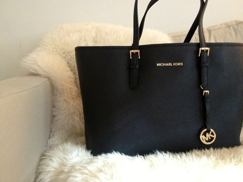 Buy nice bag for the 18+ like your girlfriend mother friend etc