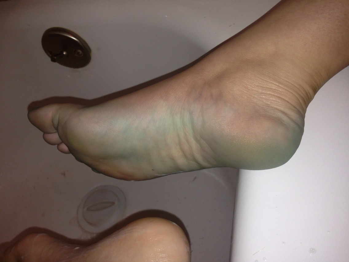 Your feet will be blue after 30mins of relaxing  In the treatment