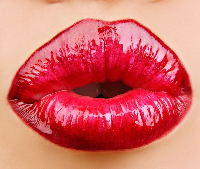 First you need to apply your lipstick of choice