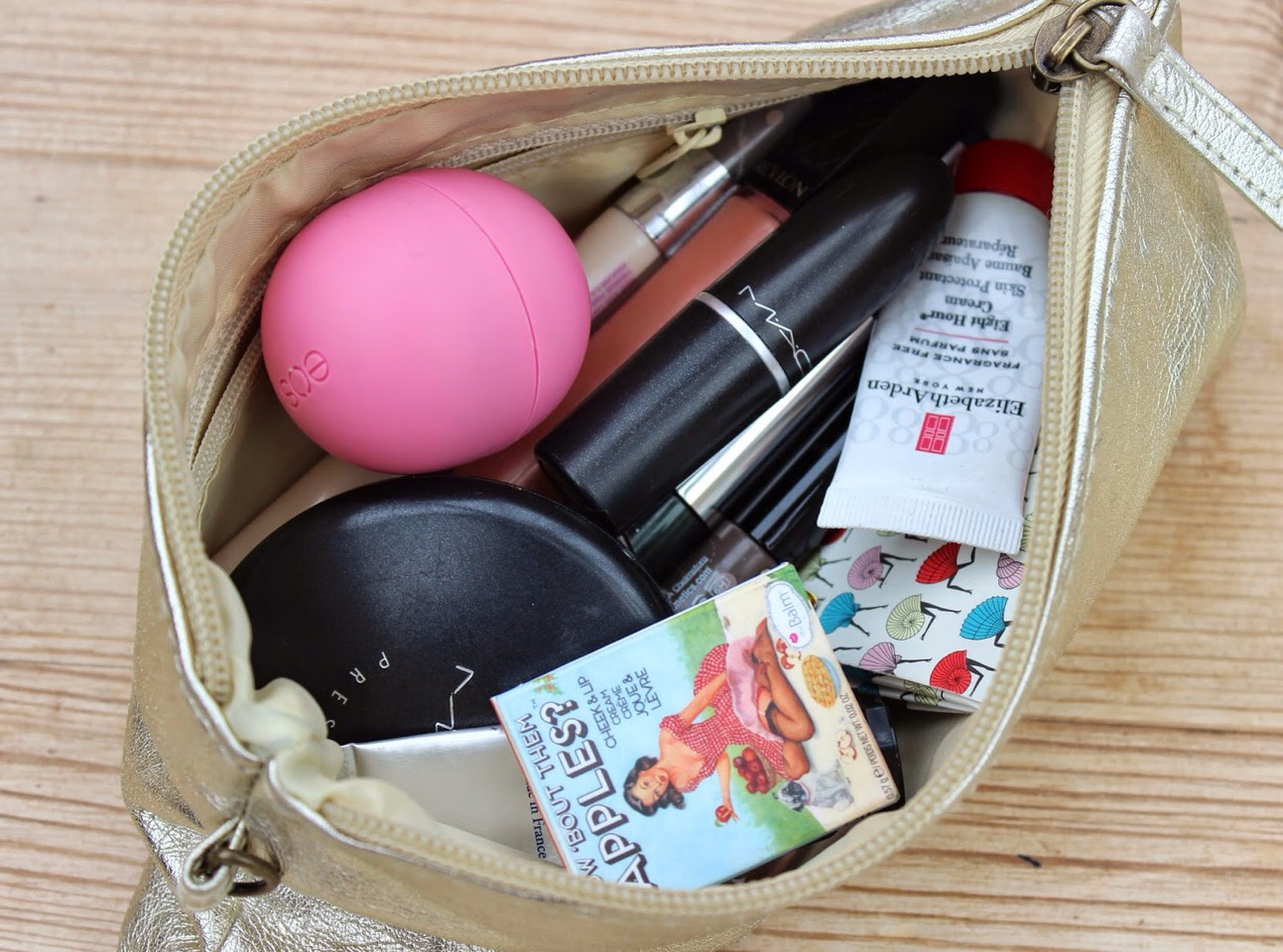 This Tip will SAVE UR LIFE, after reading this tip you will have every thing you need in your purse 🍉