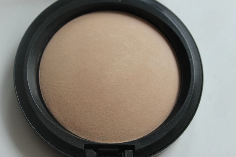 I use MAC MINERALISE SKINFINISH FOR CONTOR