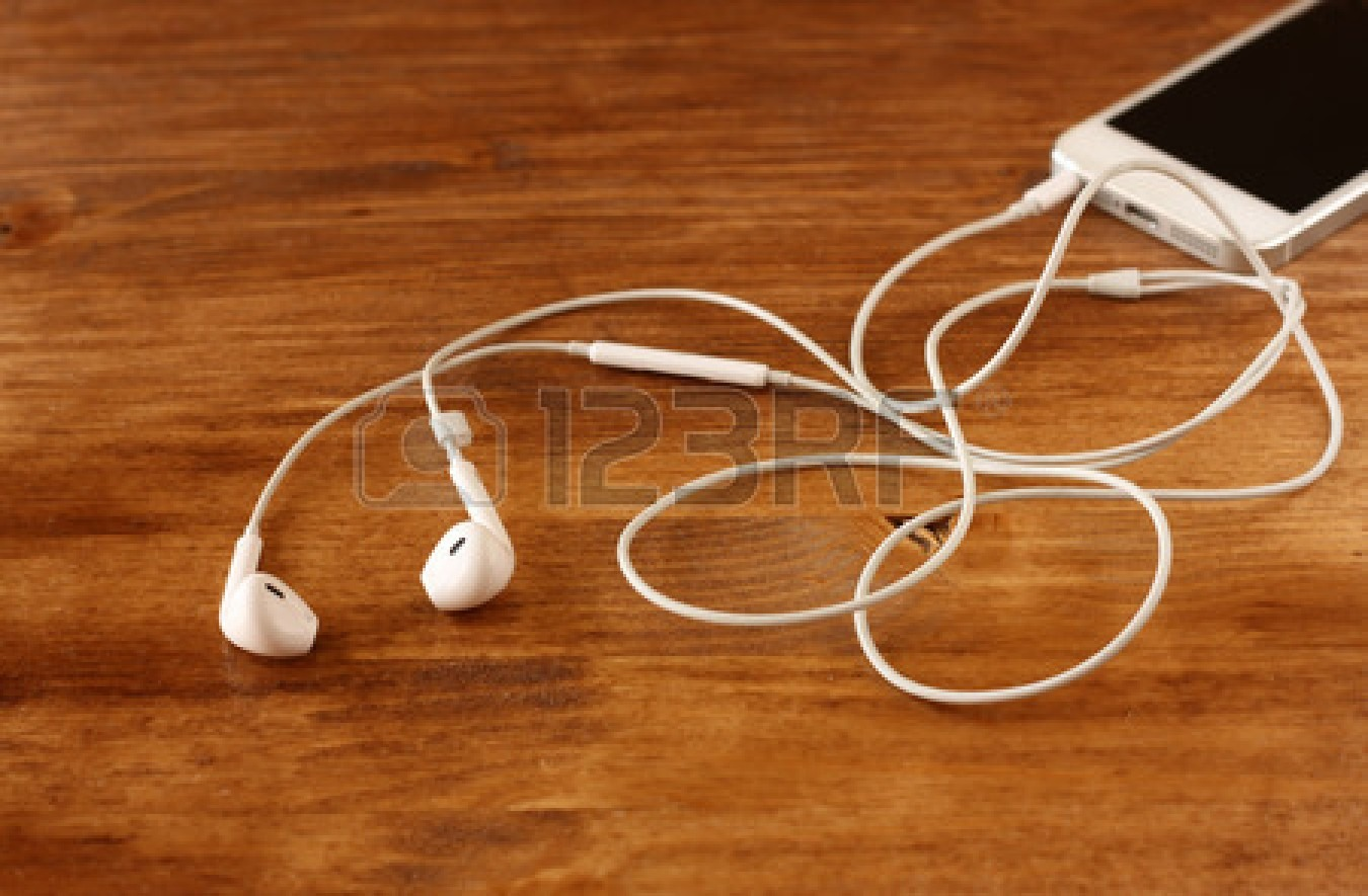 6) Phone and earphones! Obviously... Every time I go out with my friends, we always listen to music.🎵🎶