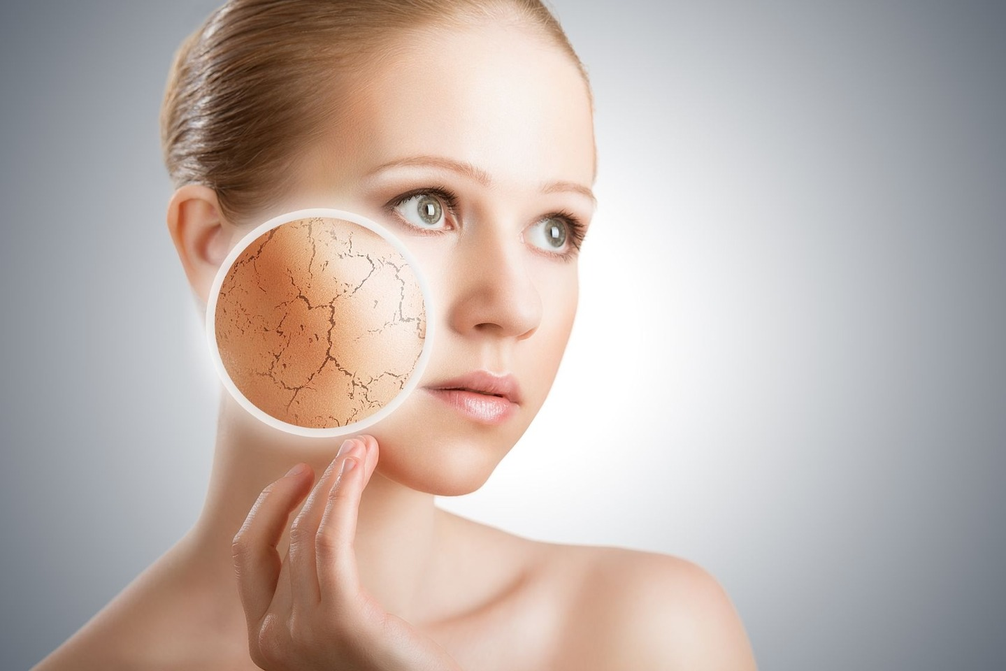 3. You must pay attention to your skin's specific needs. People with dry skin may need to moisturize more often than people with regular or oily skin. However, that is not to say that people with oily skin should not moisturize. Moisturizers do much more than simply help hydrate dry skin
