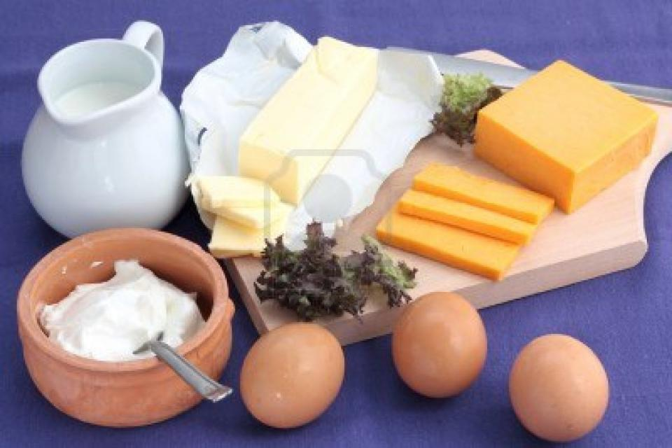 Have a rich diet of dairy products (milk, almonds, nuts, etc.) to achieve faster hair growth.