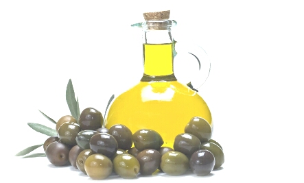 olive oil may help dedamage hair makes it very stronger and healthier may smell weird but it's worth it 😎