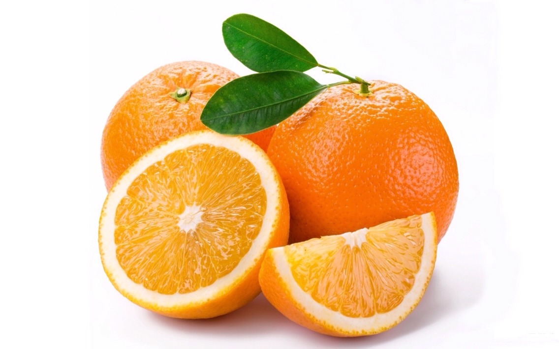 Vitamin C in oranges is also very helpful in making skin light. Grate the orange peels and add orange juice to it. Now rub this mixture to neck for and leave it for 10 minutes. This is an effective method in lightening dark neck naturally.