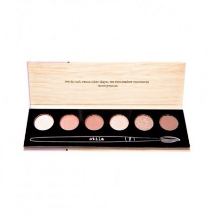 Stila Portrait Of A Perfect Eye   For the eyeshadow lover. This has my teenage niece written all over it. 6 shades to contour and highlight your eyes! Who wouldn't love receiving this fabulous set.  Get it at Birchbox $16
