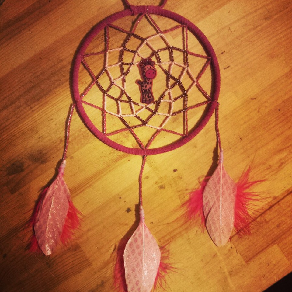 Make dreamcatchers✨