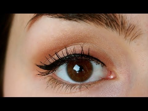 Attach it to the end of your eye then make a line along your eye and you have eyeliner like a pro ! 🙌