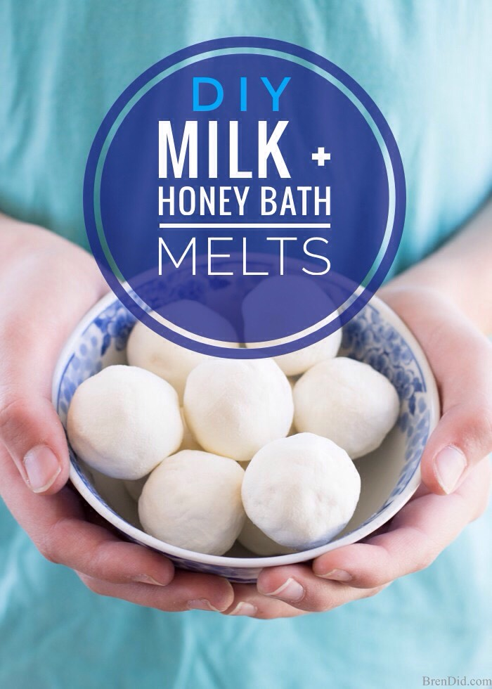 BATH MELTSare fabulous little bath bombs of moisturizer that melt into the water + hydrate your skin.I decided to whip up a batch of bath melts with natural oils+butters to soothe + soften my skin during my evening soak.