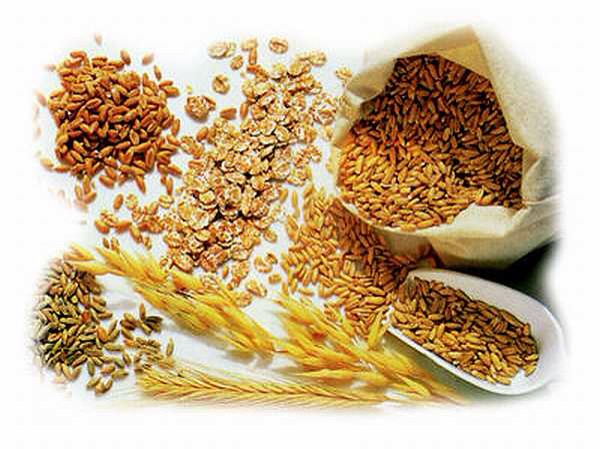 Tip 3: Go for whole grains Although it's not clear why, whole grains may reduce your risk of diabetes and help maintain blood sugar levels. Try to make at least half ur grains whole grains. Many foods made from whole grains come ready to eat, including various breads,pasta products and many cereals.