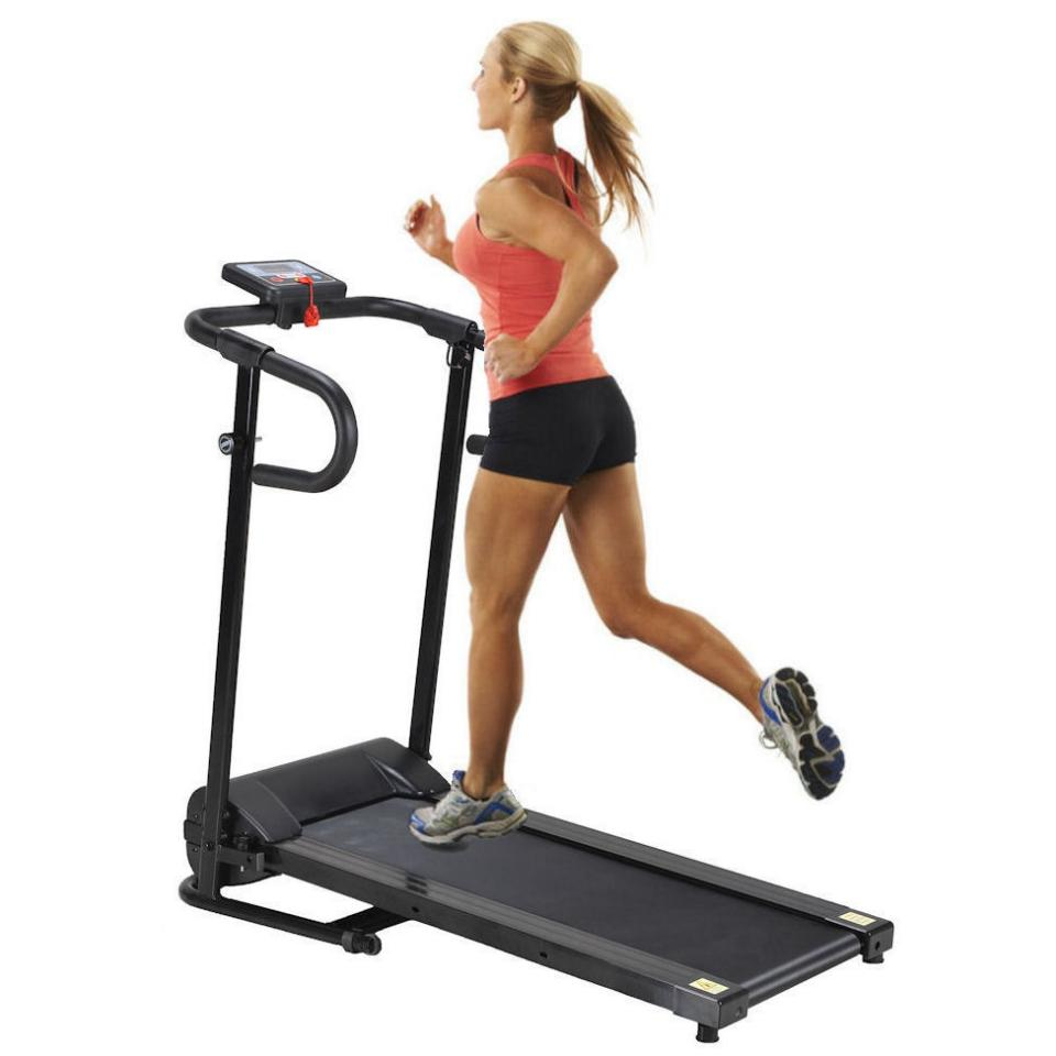 Do high intensity exercises. Pairing weight training with exercises that get your heart pumping leads to the production of lean muscle mass, which will cause your thighs and buttocks to look smoother over time.