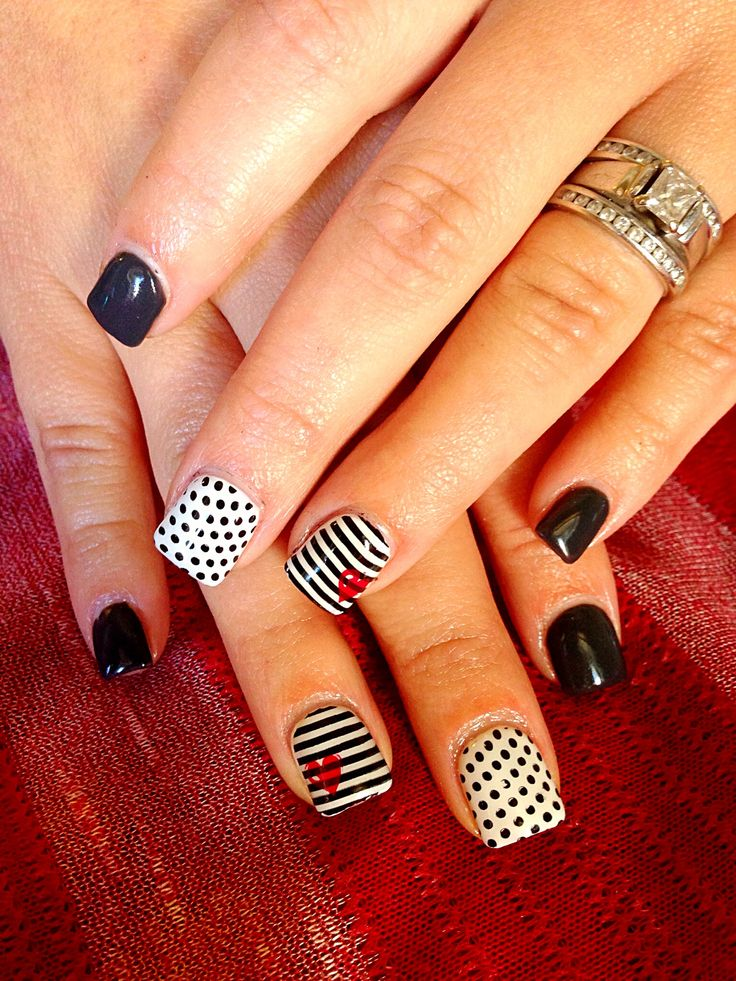 Patterned nail design...