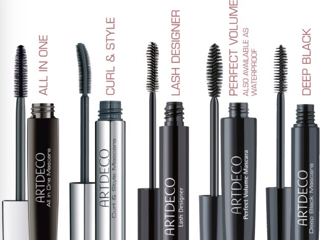 Tip #1: A little goes a long way! You don't have to put on the whole bottle of mascara to look beautiful. Find the mascara that better suits your eyelash type. (Remember to wash it off at night!)