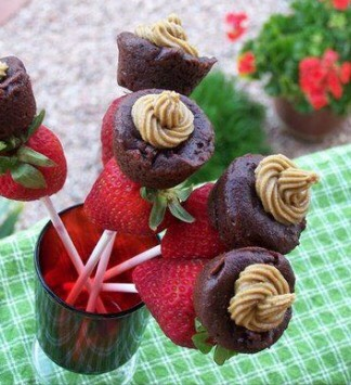 Chocolate brownie cupcakes with strawberry