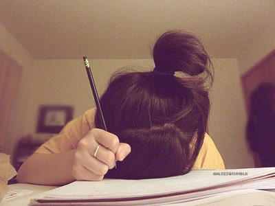My next tip is don't be pulling all nighters, you could sleep in the next day and not make it on time for your exam!❎
