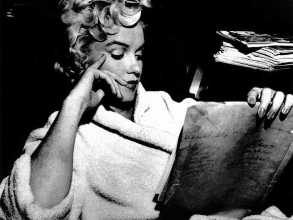 #5 Tough Childhood  Marilyn did not have an easy life. She spent most of her early years in orphanages as her mother had mental issues and was unable to take care of her daughter. It is widely considered that this might be one of the reasons why Marilyn was emotionally unstable