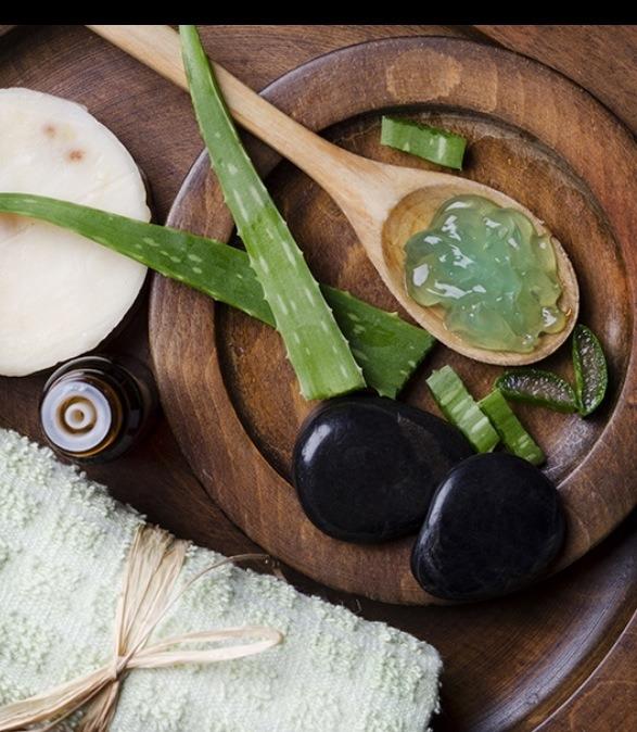 Ingredients:  2 tbs aloe vera gel 1/2 ripe avocado 1 tbs runny honey 1 teaspoon almond or coconut oil 1 1/2 tbs dry oatmeal