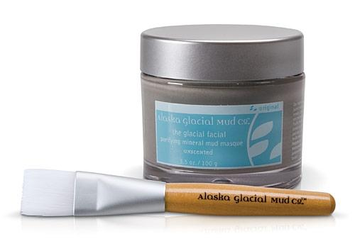 Your New Skin Care MVP: Alaska Glacial MudRidding breakouts isn't the only skincare wonder Alaskan mud has to offer.More benefits of Alaskan mud include:–Exfoliates gentlywith more than 60 nourishing major and trace elements– Promotesanti-aging–Detoxifieswith ionically charged clay particles to draw out oil and debris–Visibly reduces the signs of agingwith organic botanical extracts including kelp, nettle, horsetail, elderflower, yarrow, cranberry, blueberry and vitamins E and B5.