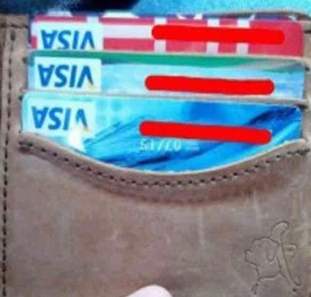 Put credit cards upside down in Your wallet to make it easier to pull out