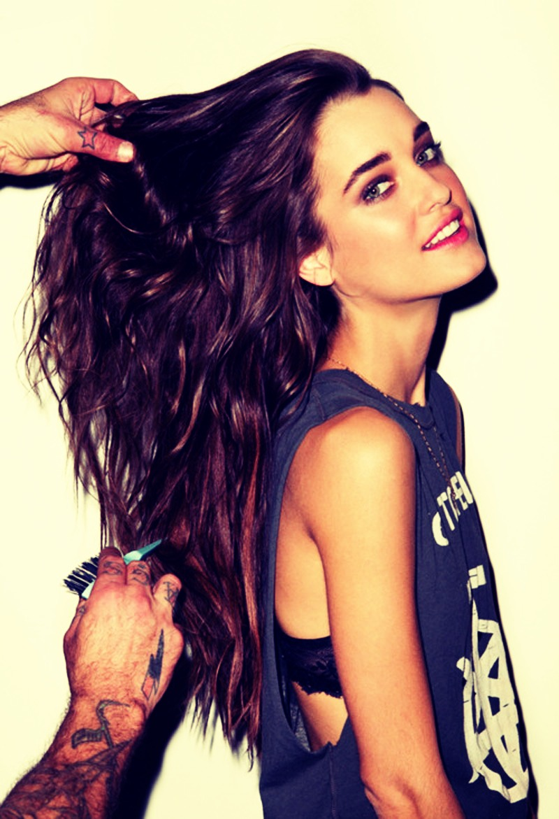 Want long luscious hair?? These super quick tips will help you grow your hair longer