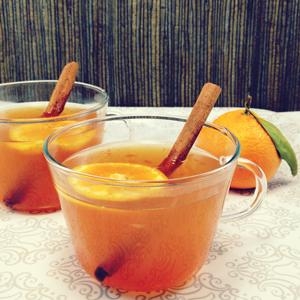 HOT SATSUMA GINGER • 1 oz. fresh satsuma orange juice • 1 TBS RAFT Lemon Ginger syrup • 5 oz. hot water • Ground cinnamon • Spirits: 1 oz. your choice • Garnish: cinnamon stick and satsuma slice  1. Combine all ingredients with water just off a boil.  2. Stir with a cinnamon stick. Garnish with oran