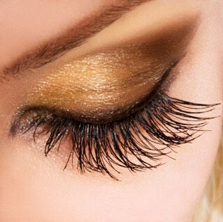 Let your lashes sit in between layers. You would think that this would just make your lashes clumpy but it doesnt. It's suggested to do a layer on one eye then to the other and then back to the 1st eye and so on.