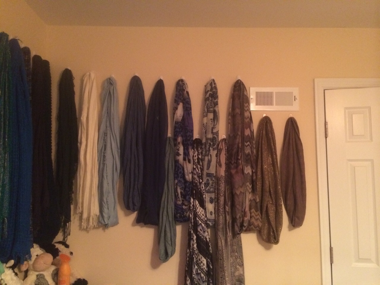 I never have a scarf laying around anymore. I'm so happy I did this to my room.