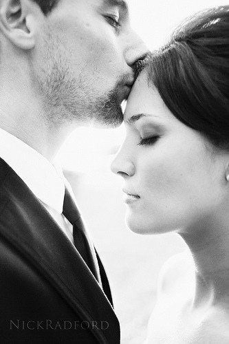 Forehead kiss ~it's going to be ok every things good~