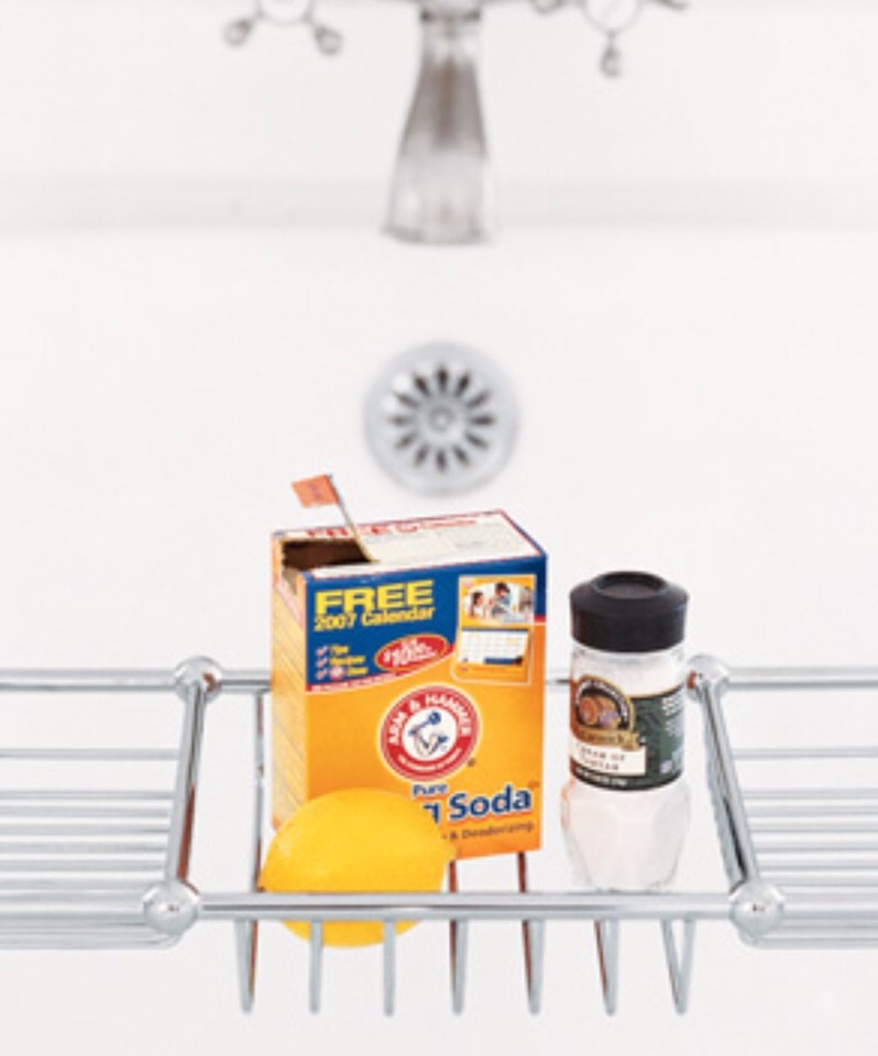 Baking Soda as Tub Scrubber Rub tub stains away. Create a paste mad up of equal parts baking soda and cream of tartar and a little lemon juice. Let sit for 30 minutes, then rinse.