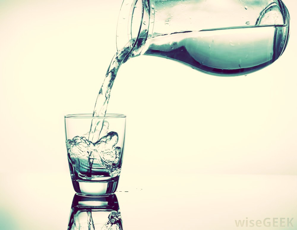 2. DRINK WATER! It's so easy! Instead of having a soda, which will dehydrate you, have some water. It goes good with anything and hydrates you and nourishes you as well. Your daily water consumption should be 8 glasses. Drink it with all your meals and snacks throughout the day.