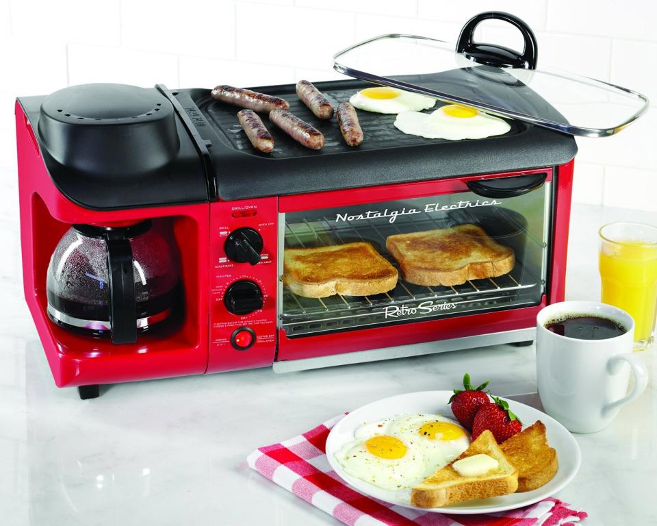 Breakfast Station Link: http://homegadgetsdaily.com/nostalgia-electrics-breakfast-station/