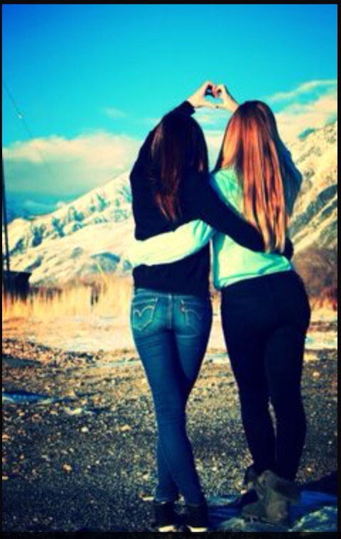 Photoshoot Ideas To Do With Your Best Friends Tipit