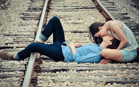 Best Kissing Tips on How to Kiss