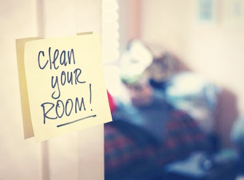 Next you have to clean your room! Pick up any litter and pack away any clothes clothes that are lying around. This will give you a better idea on where to start.
